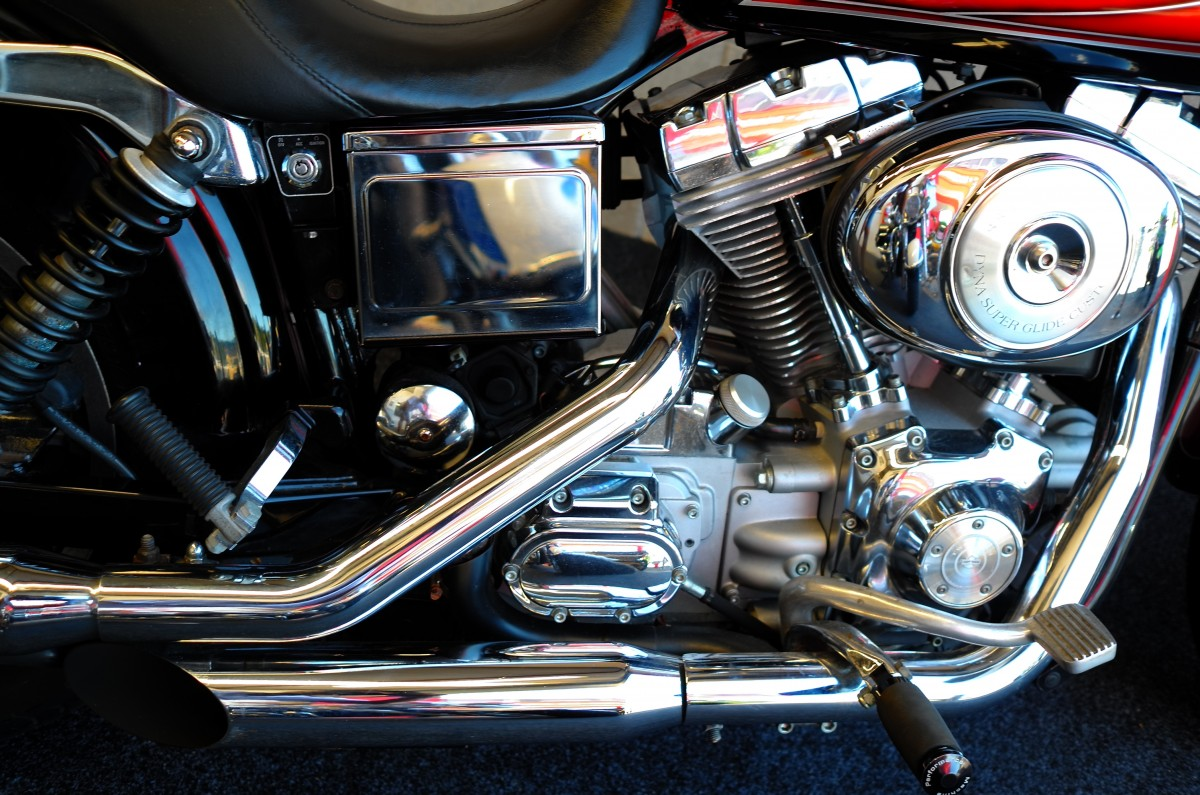 2005 harley davidson dyna super glide shore motor cycles for Motor city harley davidson hours